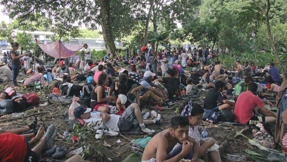 Caravana migrante descansa y sana heridas en Huixtla, Chiapas - caravana migrante Chiapas