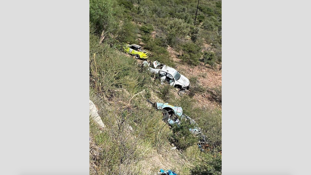 Vuelcan dos autos en la Carrera Panamericana 2021 - Carrera Panamericana 2021 accidente