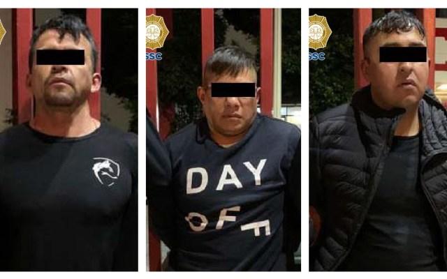 CDMX: Detienen a tres hombres relacionados con balacera en cancha de futbol - Detenidos CDMX balacera cancha futbol Azcapotzalco