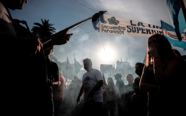 'Día de la Lealtad Peronista' en Buenos Aires, Argentina - Miles de personas festejan el 'Día de la Lealtad Peronista' con una marcha a favor del gobierno en la Plaza de Mayo, en Buenos Aires, Argentina. Foto de EFE/ Juan Ignacio Roncoroni