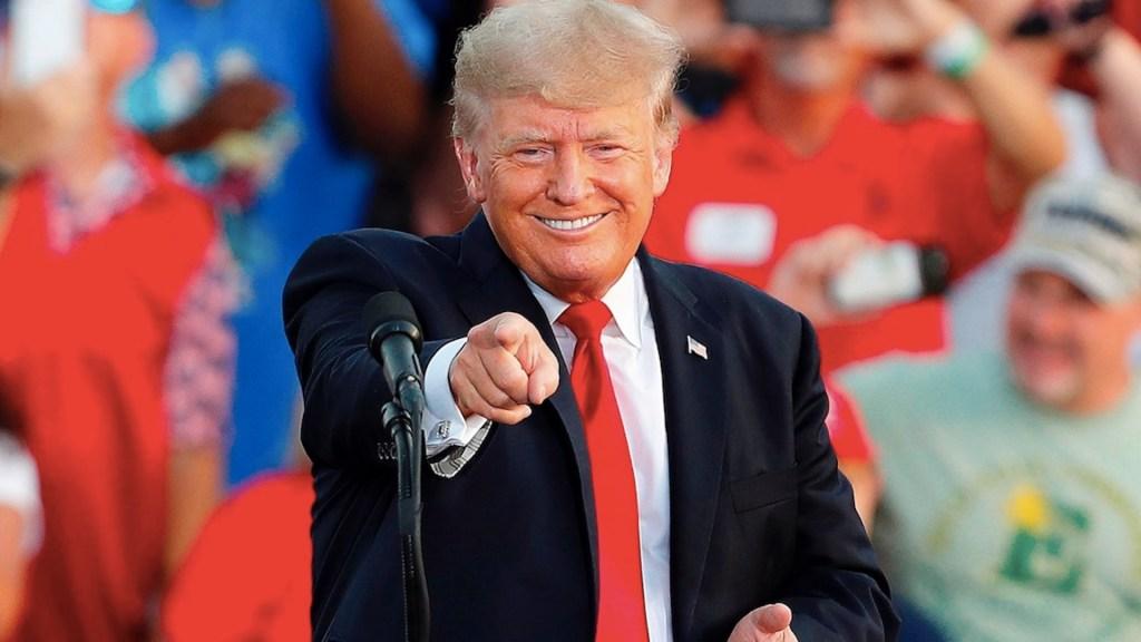 Trump pide a juez que ordene a Twitter que reactive su cuenta - Trump pide a juez que ordene a Twitter que reactive su cuenta. Foto de EFE