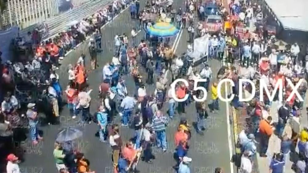 Integrantes del SME se manifiestan en San Lázaro por Reforma Eléctrica - electricistas SME San Lázaro diputados bloqueo