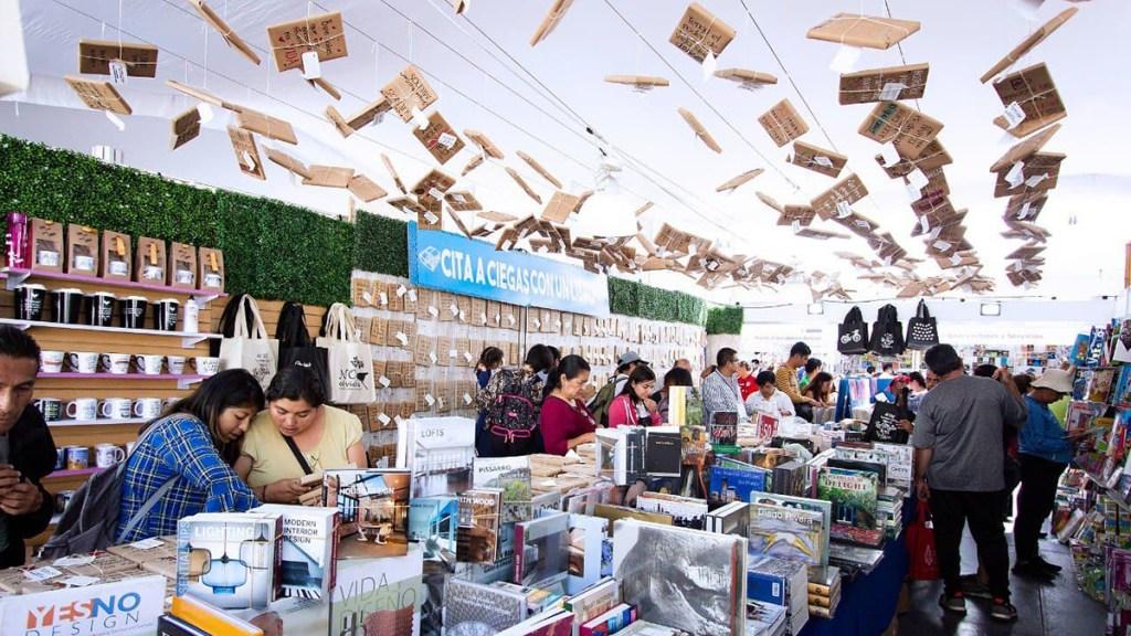 Feria del Libro del Zócalo reinaugura la vida cultural de la Ciudad de México - Feria Internacional del Libro del Zócalo