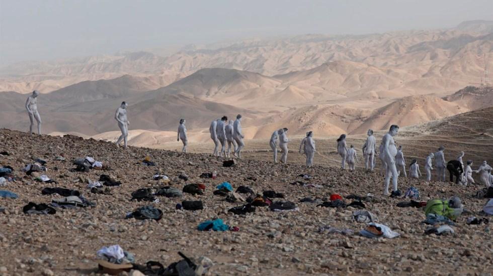 Una tubería de desnudos, de Spencer Tunick, para salvar el Mar Muerto - Spencer Tunick en el Mar Muerto