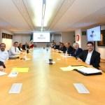 Es promiscuidad política: AMLO sobre foto de líderes de partidos opositores y empresarios