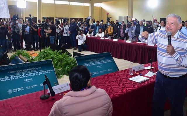 """AMLO culpa a organizaciones sociales por 'portazo' en Puebla; """"el pueblo me respeta mucho"""", dijo - López Obrador portazo Puebla"""