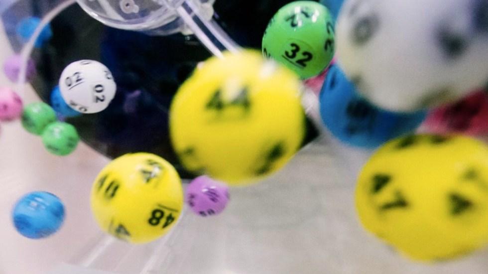 Mujer de Florida gana dos veces la lotería en el mismo día - Mujer de Florida gana dos veces la lotería en el mismo día. Foto de Dylan Nolte para Unsplash