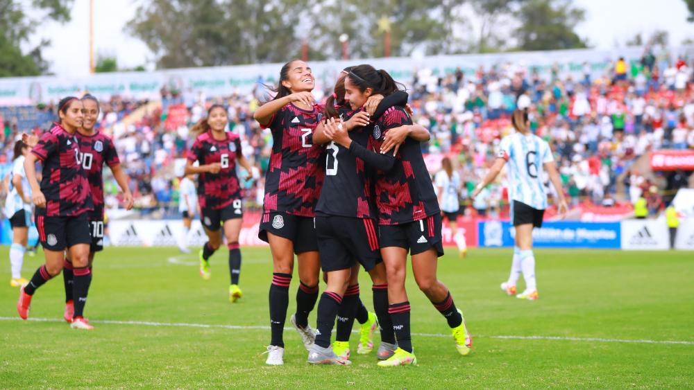 Dobletes de Mayor y González lideran goleada de México sobre Argentina - México Argentina femenil