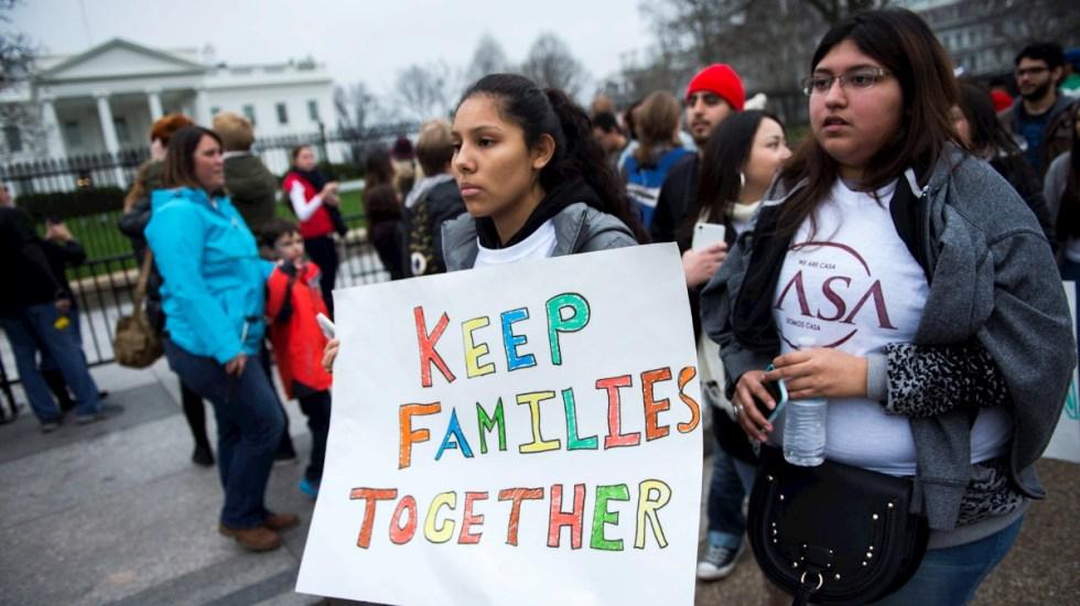 Exigen a Biden reforma migratoria frente a la Casa Blanca - Migrantes protesta Casa Blanca reforma migratoria