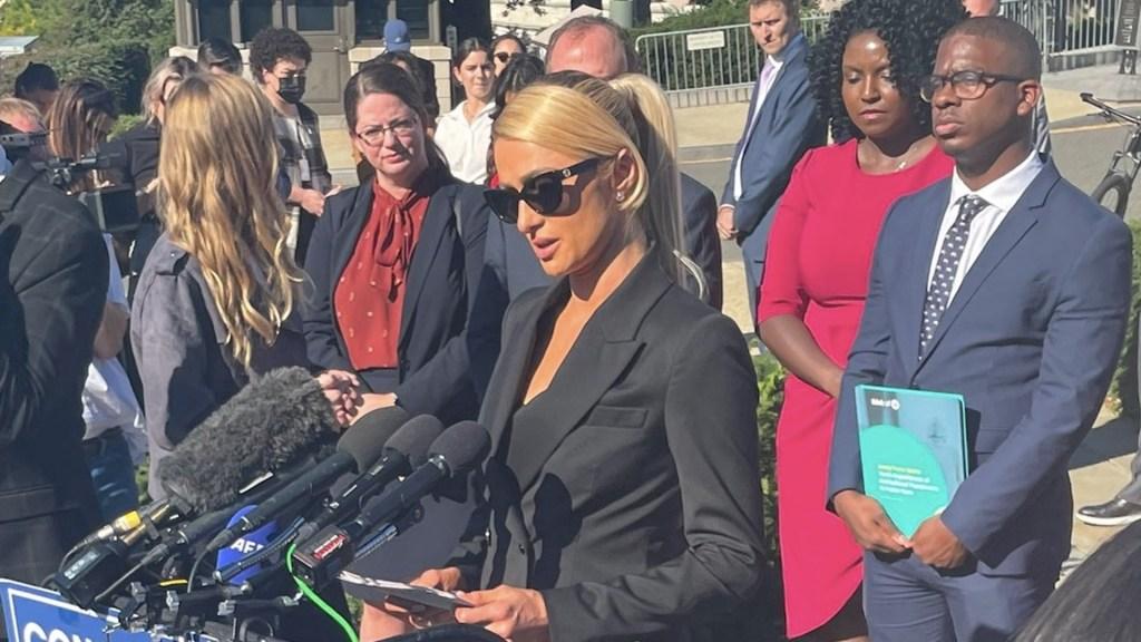 Paris Hilton pide proteger a adolescentes en centros de rehabilitación - Paris Hilton pide proteger a adolescentes en centros de rehabilitación. Foto de @emilybrooksnews