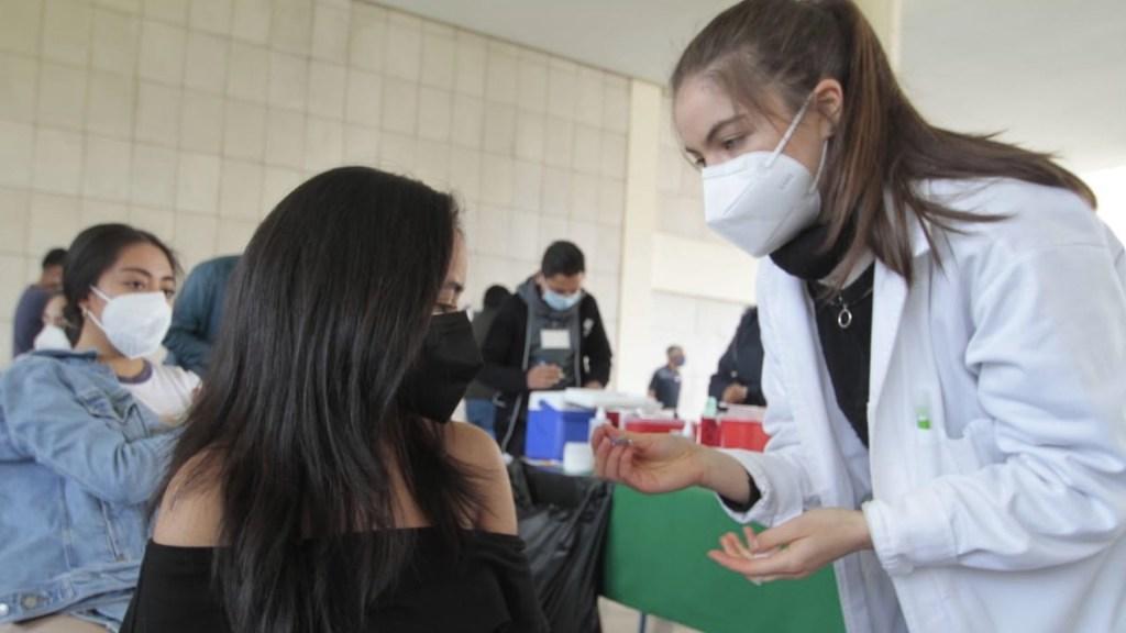 Aplicarán segundas dosis para 18 a 29 años en cinco alcaldías - Vacunación en la Ciudad de México. Foto de Secretaría de Salud CDMX