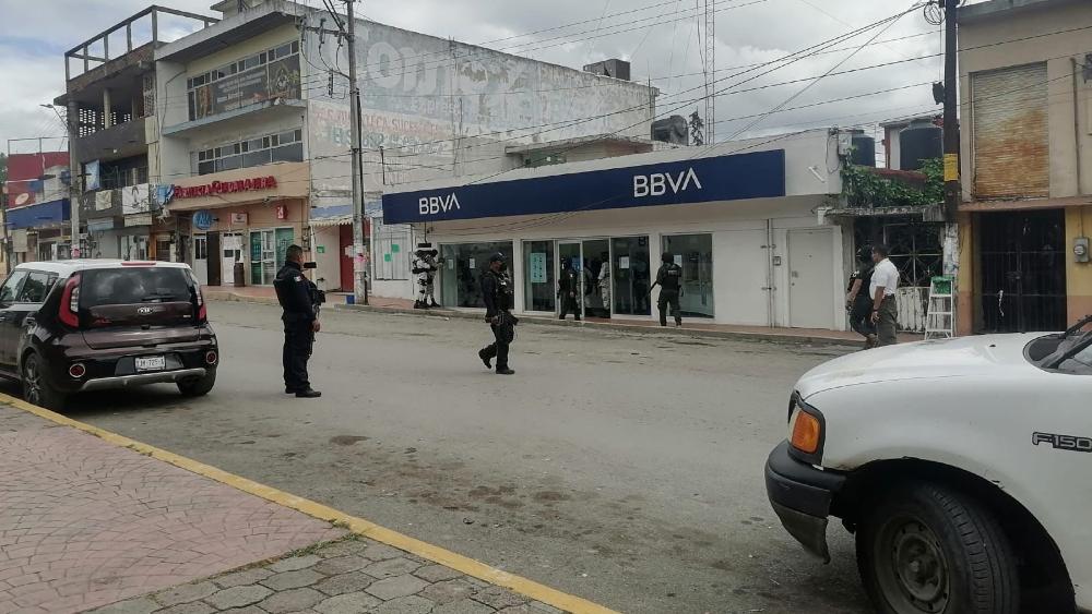 Liberan a rehenes de banco en Veracruz tras intento fallido de robo - Veracruz banco rehenes asalto