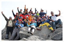 The whole Mt. kinabalu team