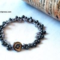 Klasarmband (eller halsband) med beskrivning