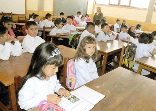 chicos-estudiando
