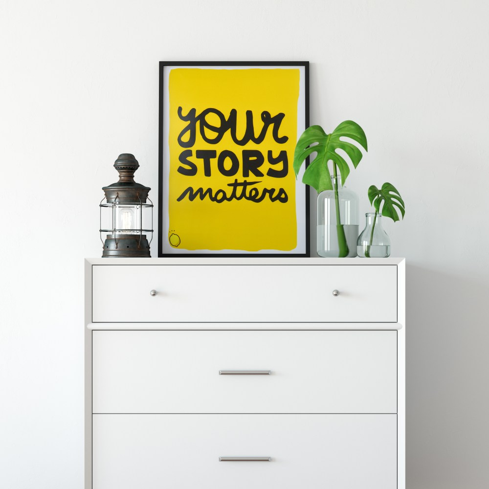 poster jaune your story matters