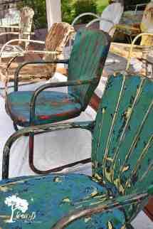 Refresh And Enjoy Vintage Metal Lawn Chairs - Lora