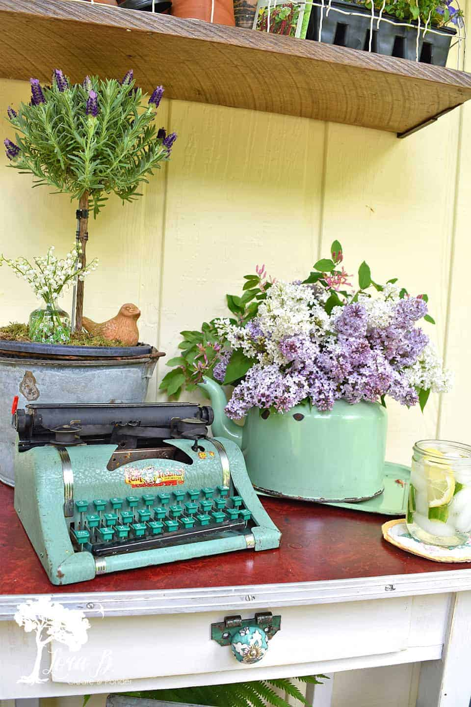 vintage child's typewriter
