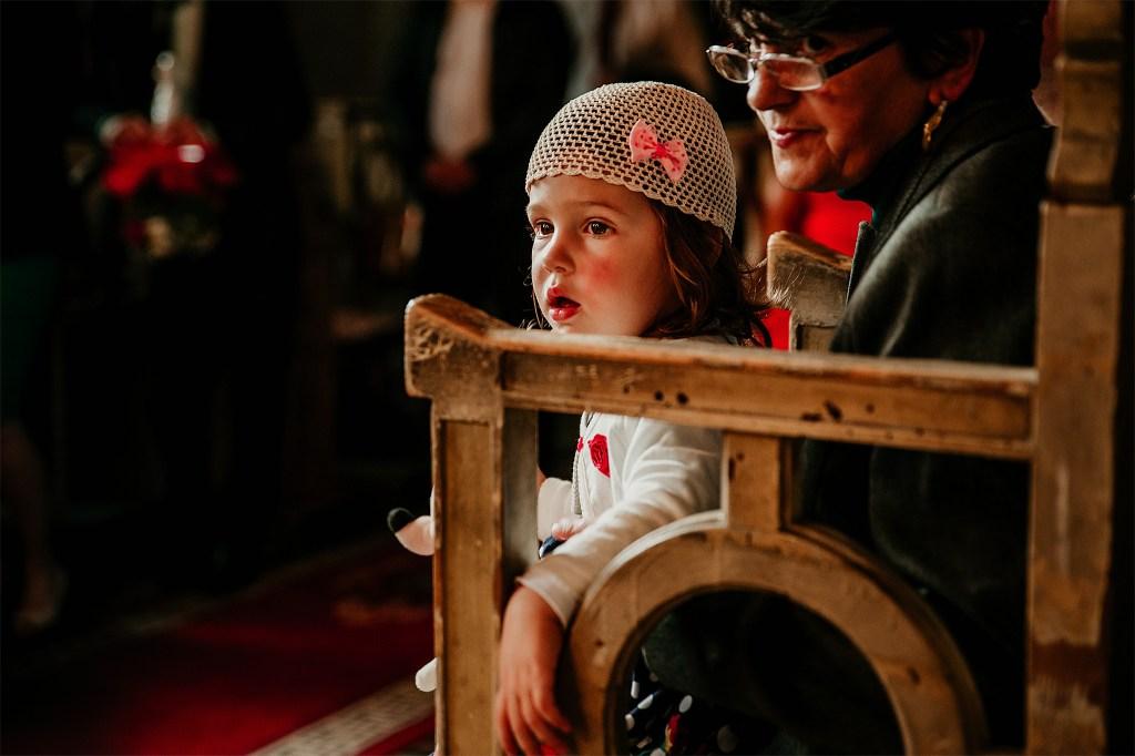 Fotograf nunta romania timisoara lorandquest biserica copil