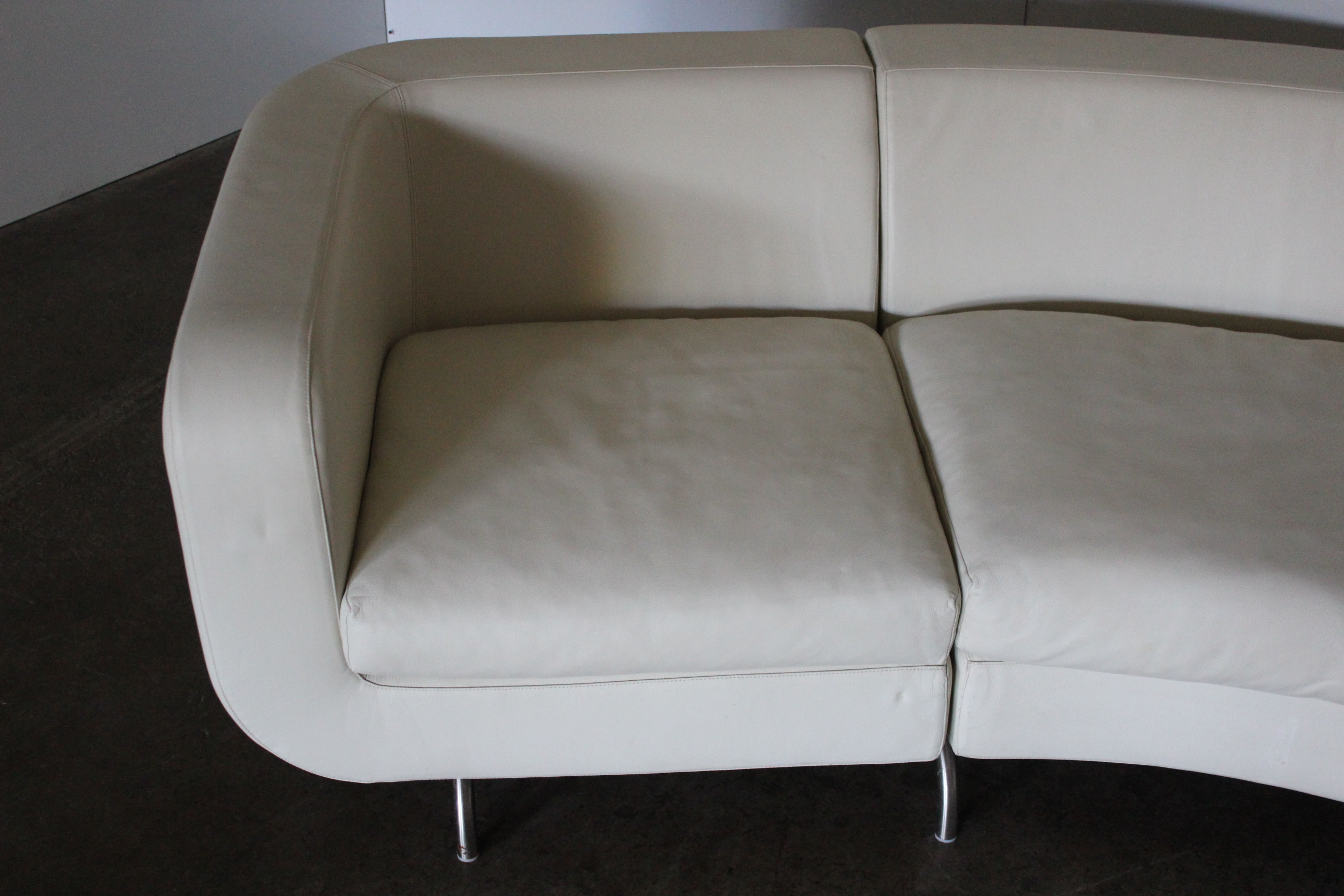 Rare Huge Pristine Minotti Dubuffet Curved Sofa In Cream