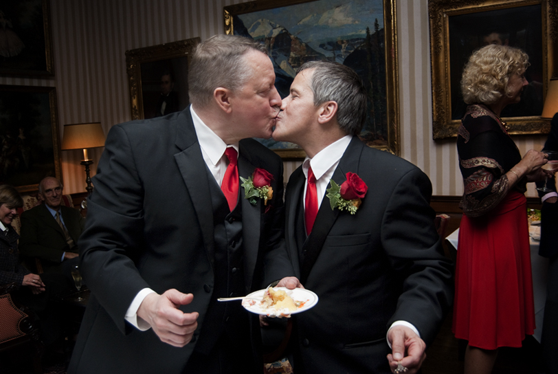 forget the cake---let's kissyananda too!