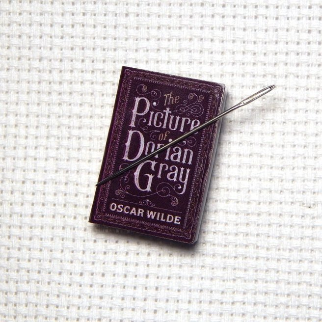 book needle minder