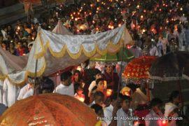 feast-of-st-alphonsa-2016-kuravilangad-church-33