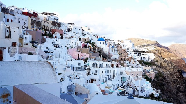 beautiful city in Santorini - Oia