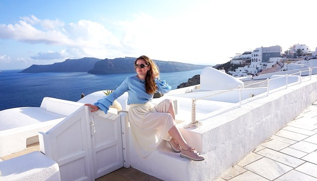discover Santorini with Lorys Blog