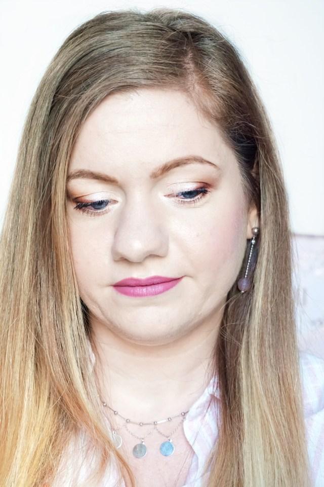 natural makeup look using Pixi Eyeshadow Palette