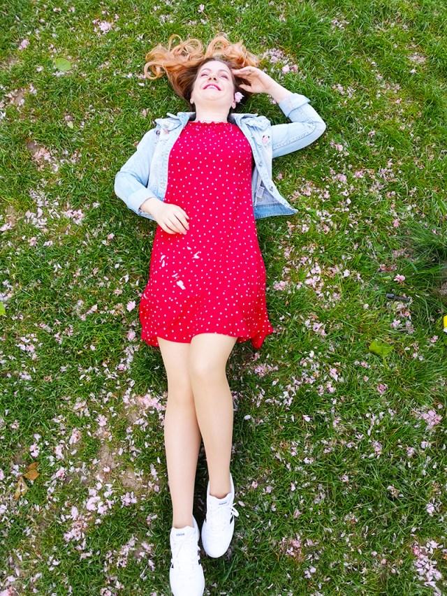 rochie cu buline BonPrix tinuta sporty - lorys blog