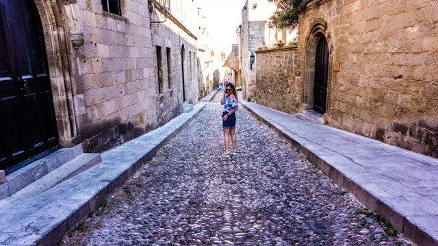 lorys blog walking on the streets in The Old Town Rodos