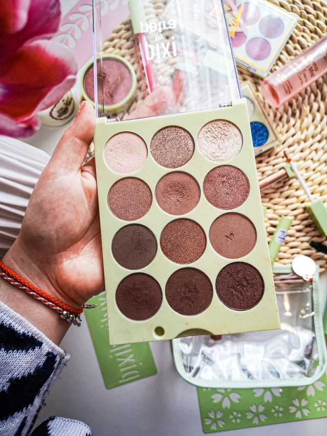 pixi_by_petra_eye_reflection_shadow_palette_natural_beauty