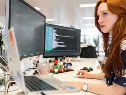Enterprise Application vs Web Application: Definition, Working, and Benefits