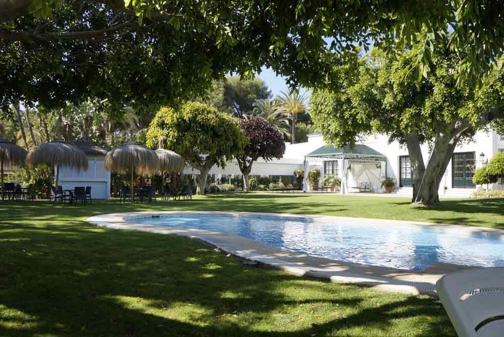 hotel los monteros garden