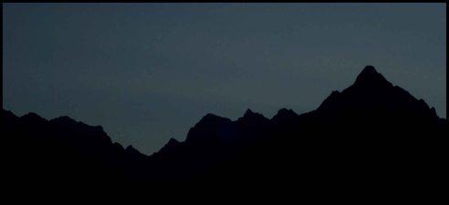 once I arrive to MaPi the sun is still not over the mountains ! A mon arrivée au MaPi le soleil n'est toujours pas passé au dessus des montagnes