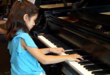 nn_08kt_pianos_121007