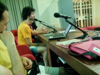 Un momento della presentazione in cui l'esimio Fabio Cioffi oltre ad aver disegnato, ha anche esposto la sua esperienza