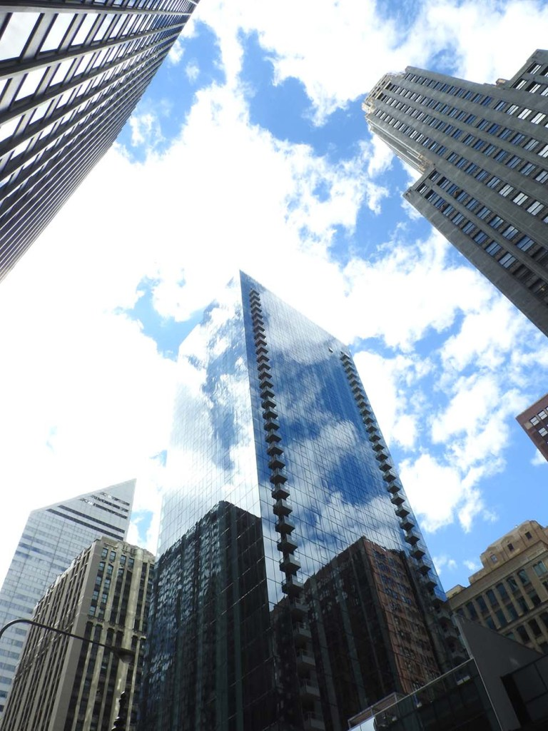 chicago-buildings-looking-up