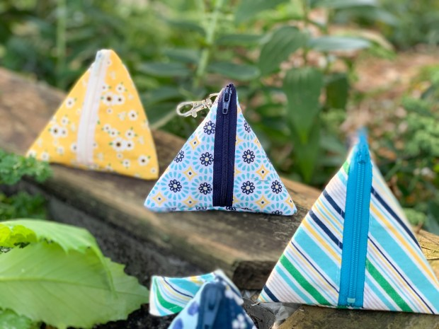 Triangle Pouch-1-2