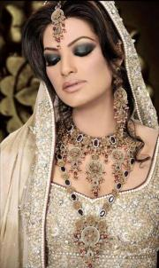 latest bridal hairstyles in pakistan