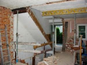 Der alte Kellertreppe ist abgerissen