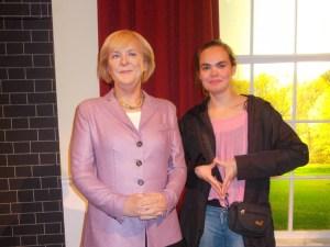 Anne und Angela (Links)
