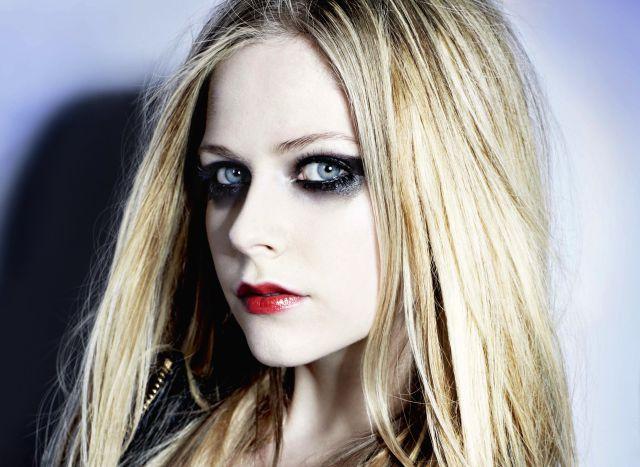 Avril Lavigne regresa con nuevo disco en 2017