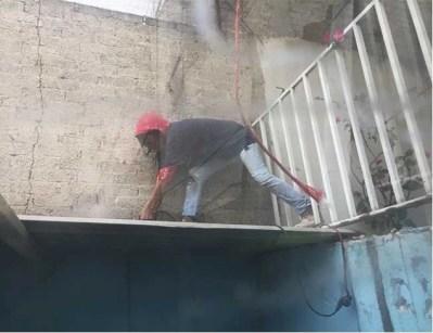 albañila trabajando 2