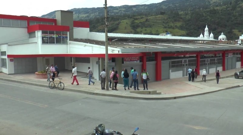 Así amaneció hoy la plaza de mercado de Málaga  ¿Qué ocurrió? Vídeo