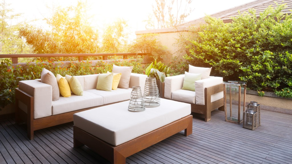 outdoor furniture in los angeles