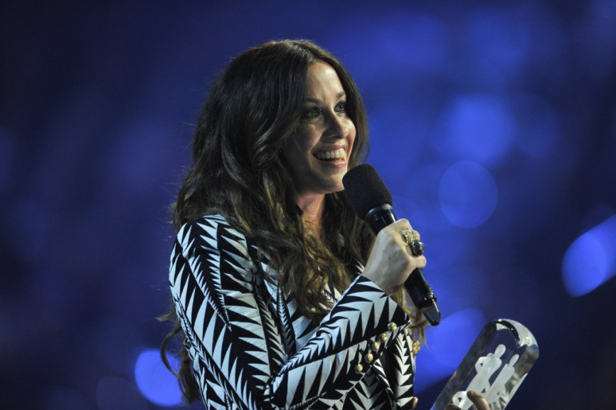 Report 2m In Jewelry Stolen From Alanis Morissette S