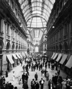 La-mostra-sui-primi-50-anni-della-Rinascente-a-Milano-le-foto-storiche_image_ini_620x465_downonly