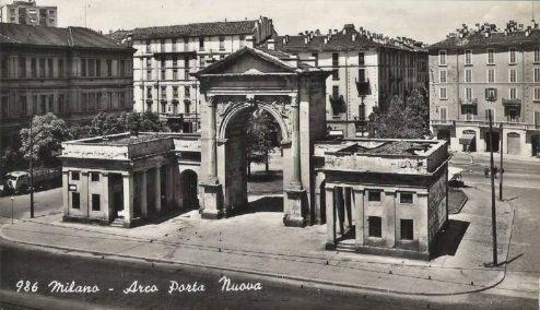 Milano,_Porta_Nuova_02 (1)